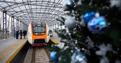 Між Києвом та аеропортом «Бориспіль» почав курсувати новий сучасний поїзд українського виробництва (+відео)