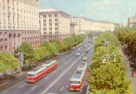 Киевский троллейбусный поезд