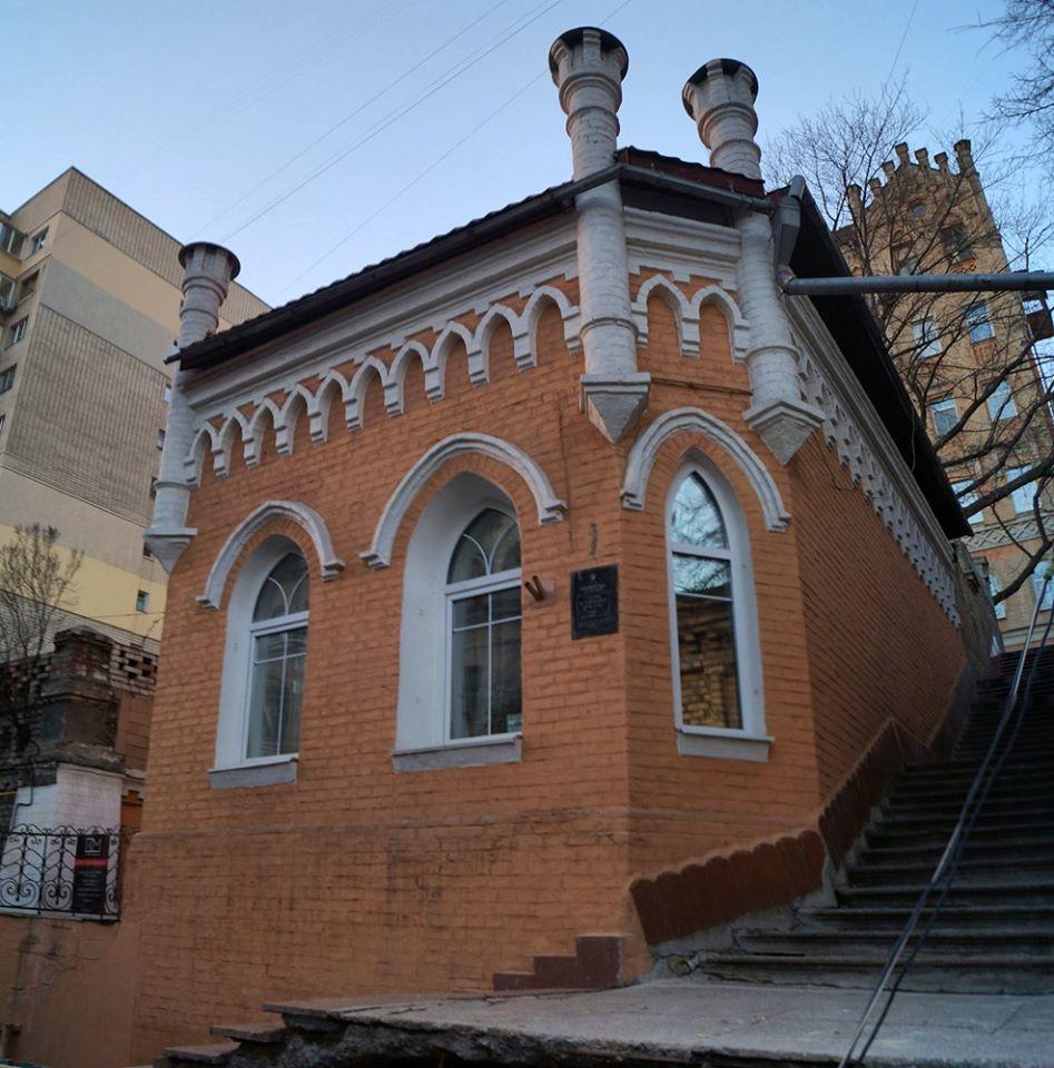 Неоготичний замок Лапинського