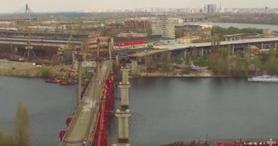 В травні дорожники розпочнуть асфальтування проїжджої частини Подільсько-Воскресенського мостового переходу - Кличко