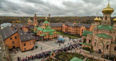 Голосіївський монастир УПЦ МП закривають на карантин, за добу там виявили 12 випадків COVID-19 - Кличко