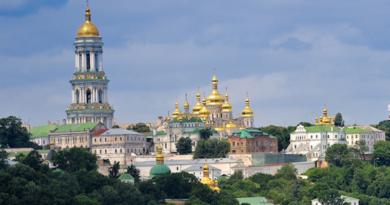 Києво-Печерська Лавра закрилася на карантин, братія здала тест на коронавірус