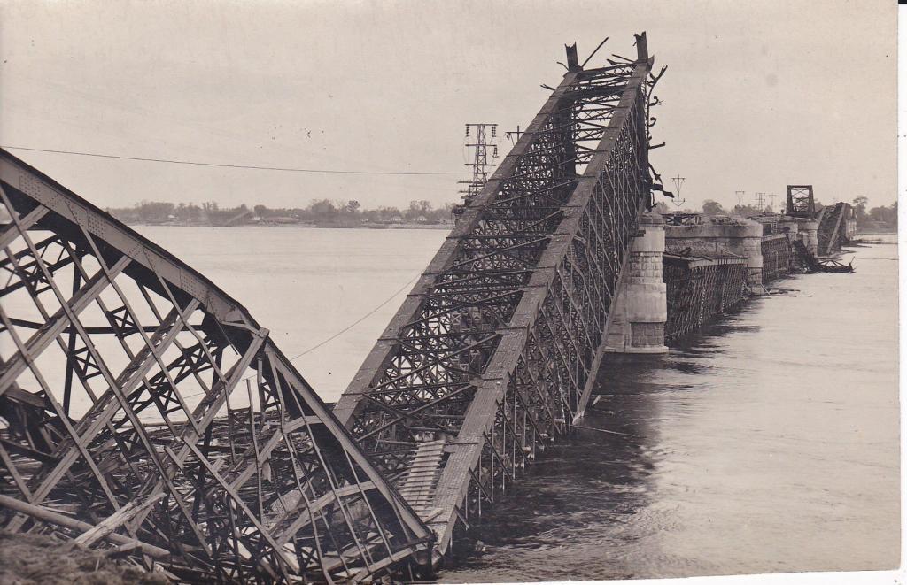 Железнодорожный мост Струве