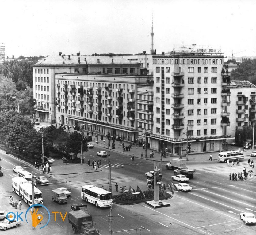 Обелиск городу-герою Киеву