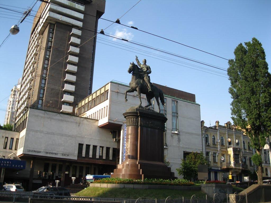 Пам'ятник Миколі Щорсу