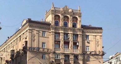 Власник квартири на Майдані Незалежності запевняє, що жодних надбудов не відбуватиметься