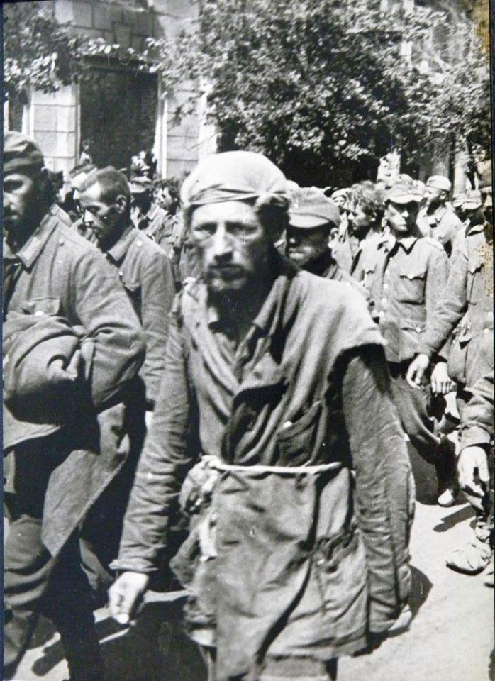"""""""Марш позора"""" на улицах Киева 1944 года"""
