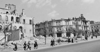 Оккупированный Киев на фото венгерского военного