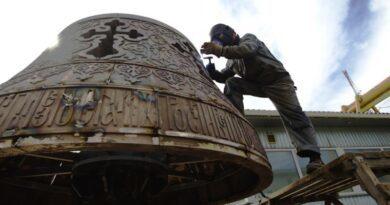 Кличко показав, як створюють скульптуру архістратига Михаїла для нового фонтану. Фото та відео