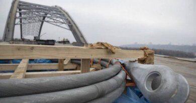 Ванти на Подільсько-Воскресенському мосту виявилися бракованими, їх замінять на нові