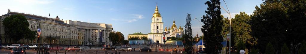 Михайлівський Золотоверхий монастир. Історія