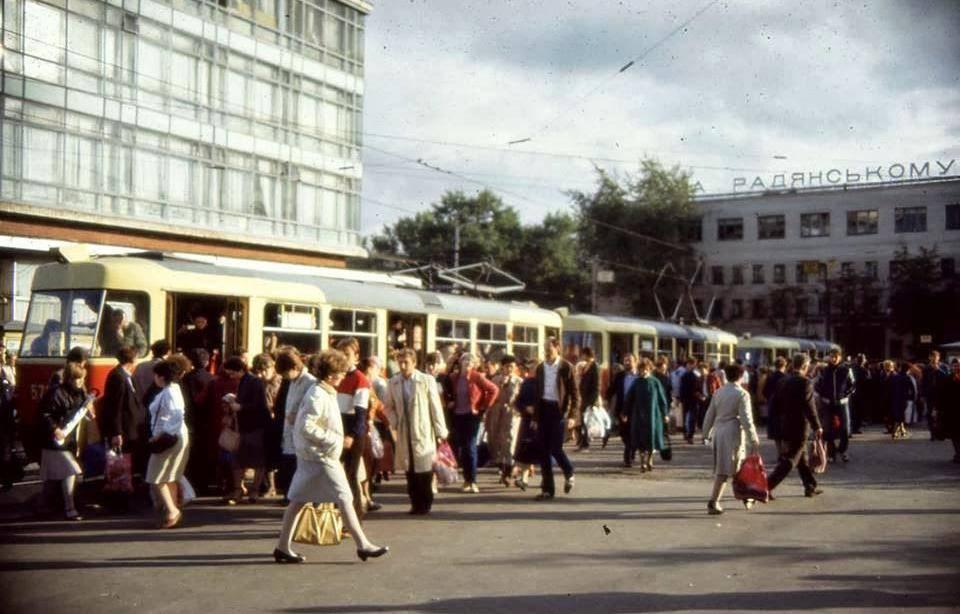 """Універмаг """"Україна"""". Історія"""