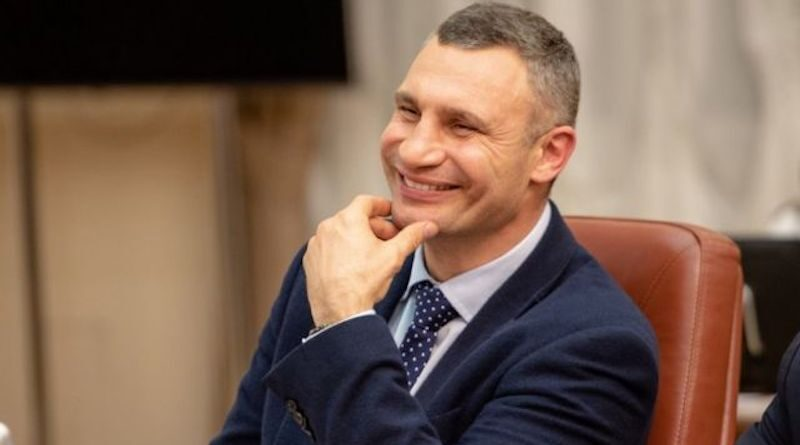 Віталій Кличко перемагає в першому турі з показником 50,6%