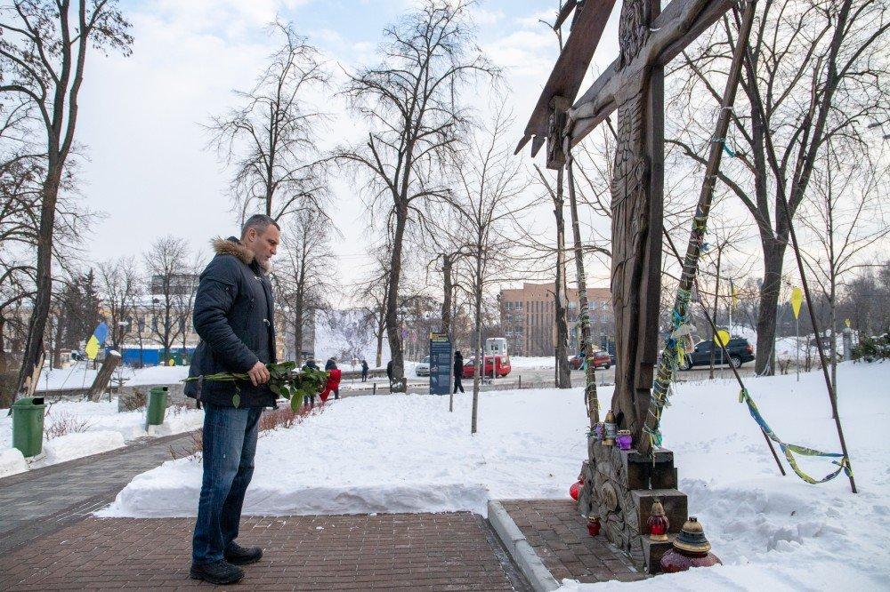 Мэр Киева почтил память Героев Небесной Сотни
