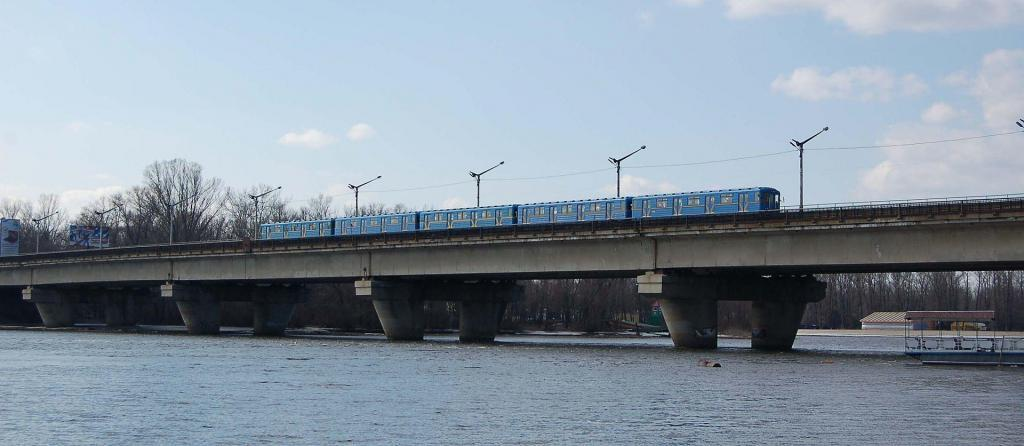 Русановский метромост