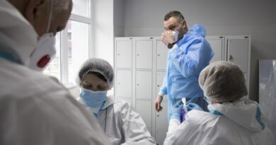«Потрібно показувати, як з лікарень вивозять трупи», – Кличко. Відео