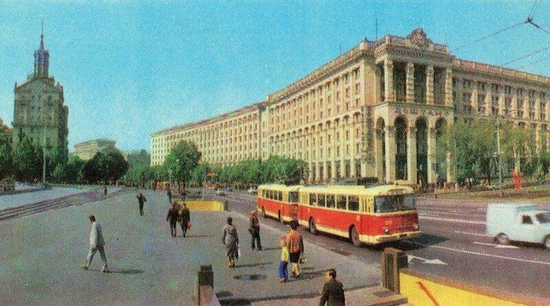 Из истории киевского фотолетописи - Киев на открытках 1978 года.