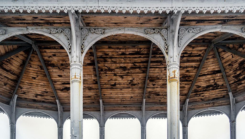 Беседка на верхней террасе Владимирской горки