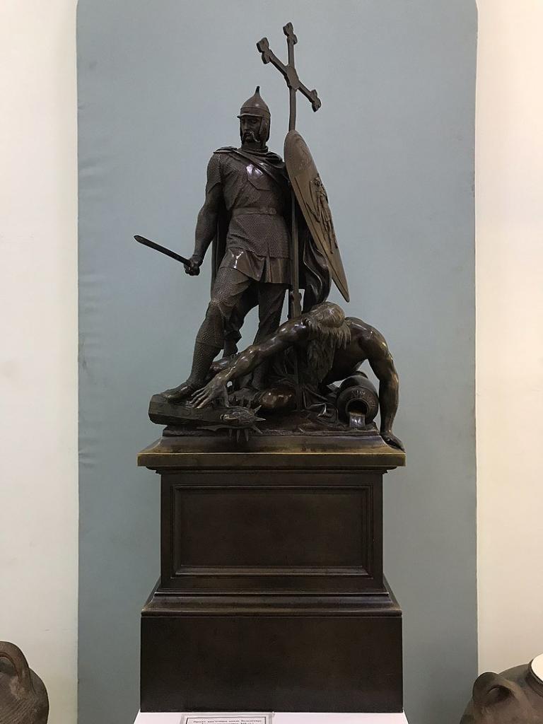 Пам'ятник Володимиру Великому. Історія та легенди