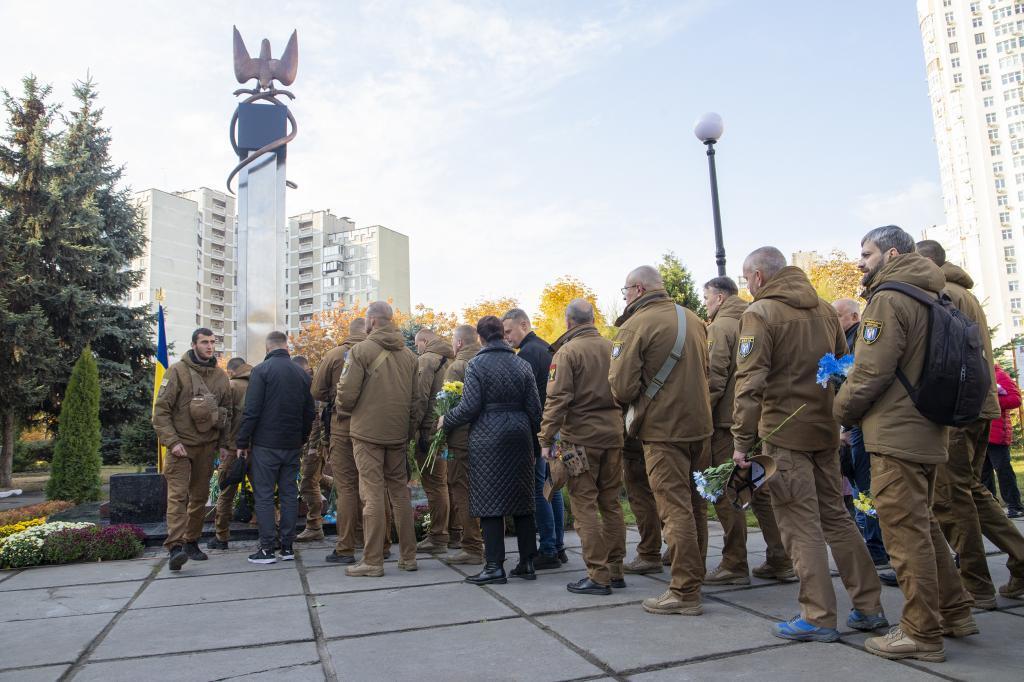 пам'ятний знак воїнам АТО