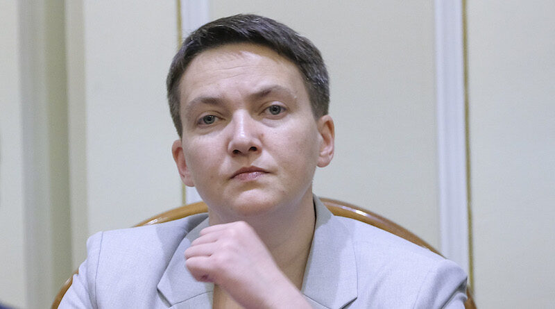 """Колишня народна депутатка Надія Савченко та її сестра Віра намагалися потрапити в Україну з підробленими сертифікатами про вакцинацію проти Covid, це виявили в аеропорту """"Бориспіль""""."""