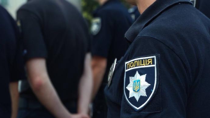 Троє столичних копів викрали львів'янина і вимагали 10 тисяч доларів