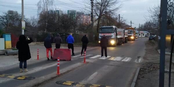 Міська влада звернеться в поліцію через перешкоджання будівництву Подільсько-Воскресенського мосту